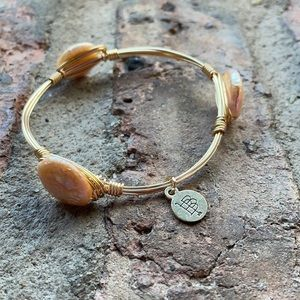 ✨Bourbon and Bowties Pearl Bangle Gold